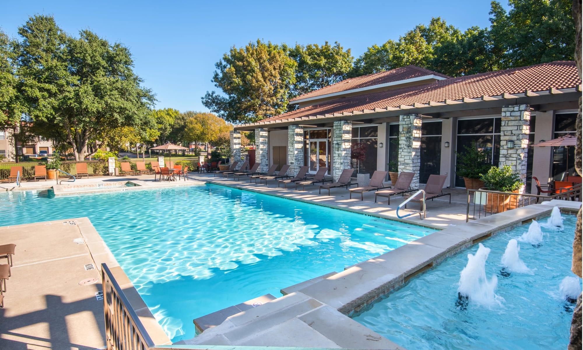 Apartments at Villas of Preston Creek in Plano, Texas