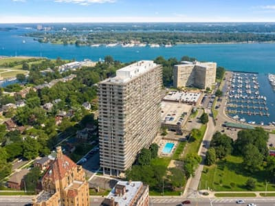 Visit the resident portal for Jeffersonian Houze apartments in Detroit, Michigan