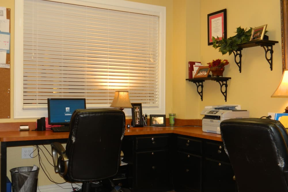 The reception desk at Autumn Grove Cottage at Humble in Humble, Texas