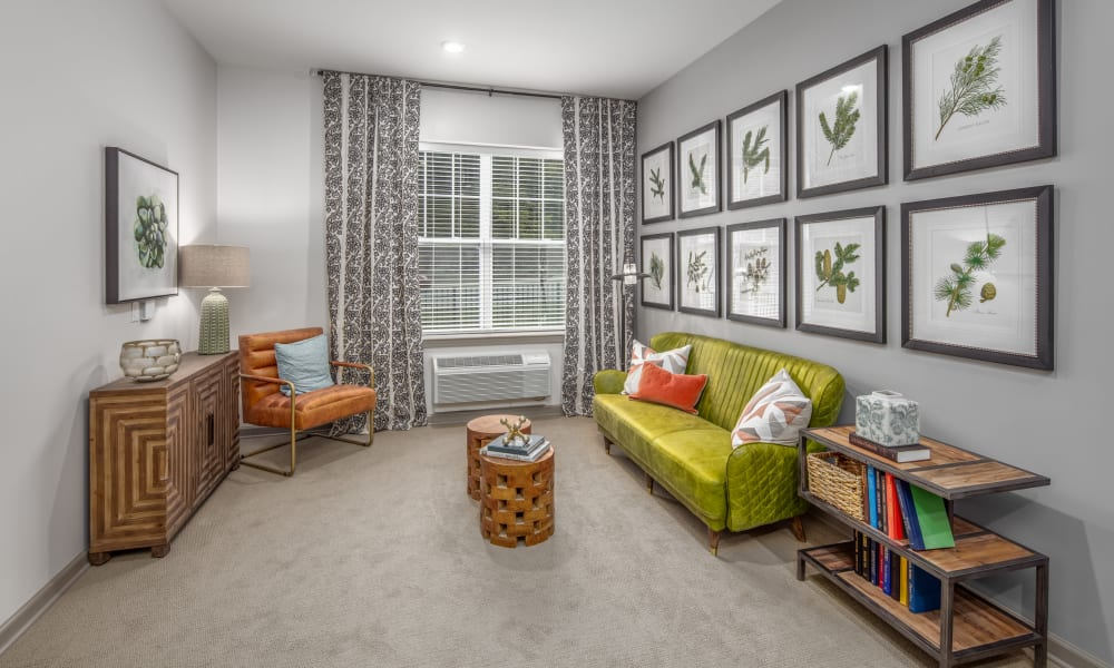 An inviting apartment living room at Anthology of McCandless in Pittsburgh, Pennsylvania