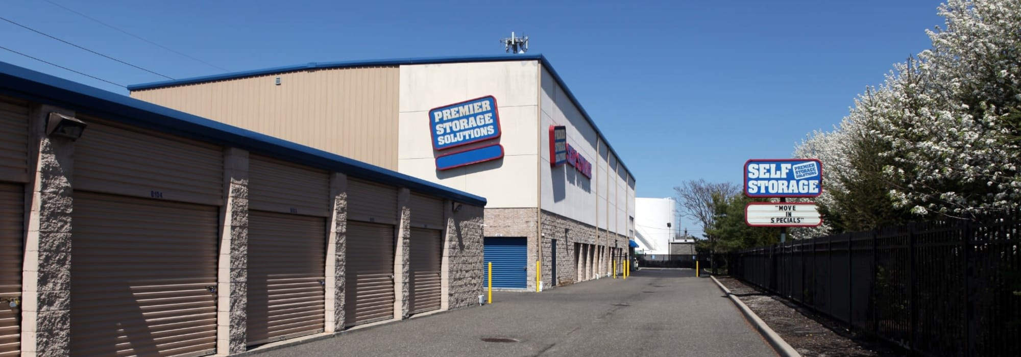 Premier Storage Solutions of West Islip self storage in West Islip, New York
