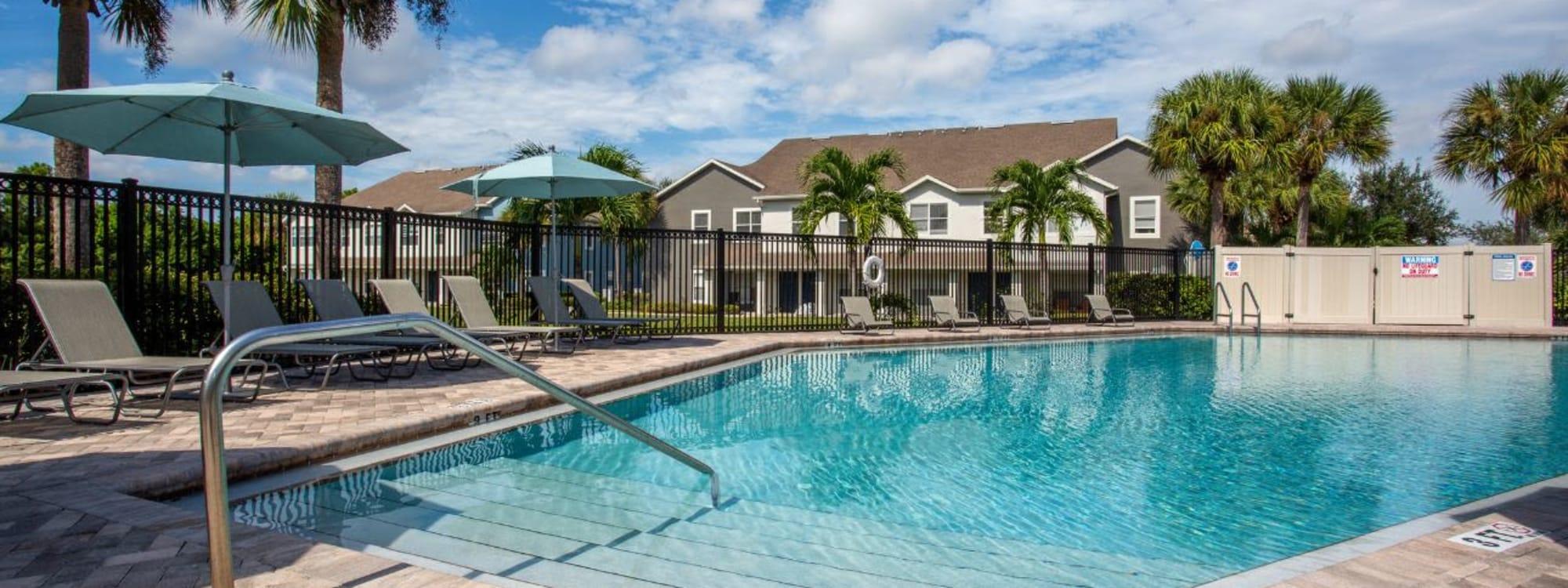 Photos of Calais Park Apartments in St Petersburg, Florida