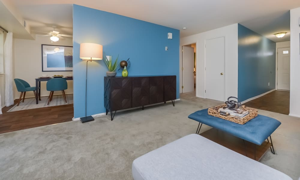 Beautiful living room at Mapleton Square Apartment Homes in Dover, DE