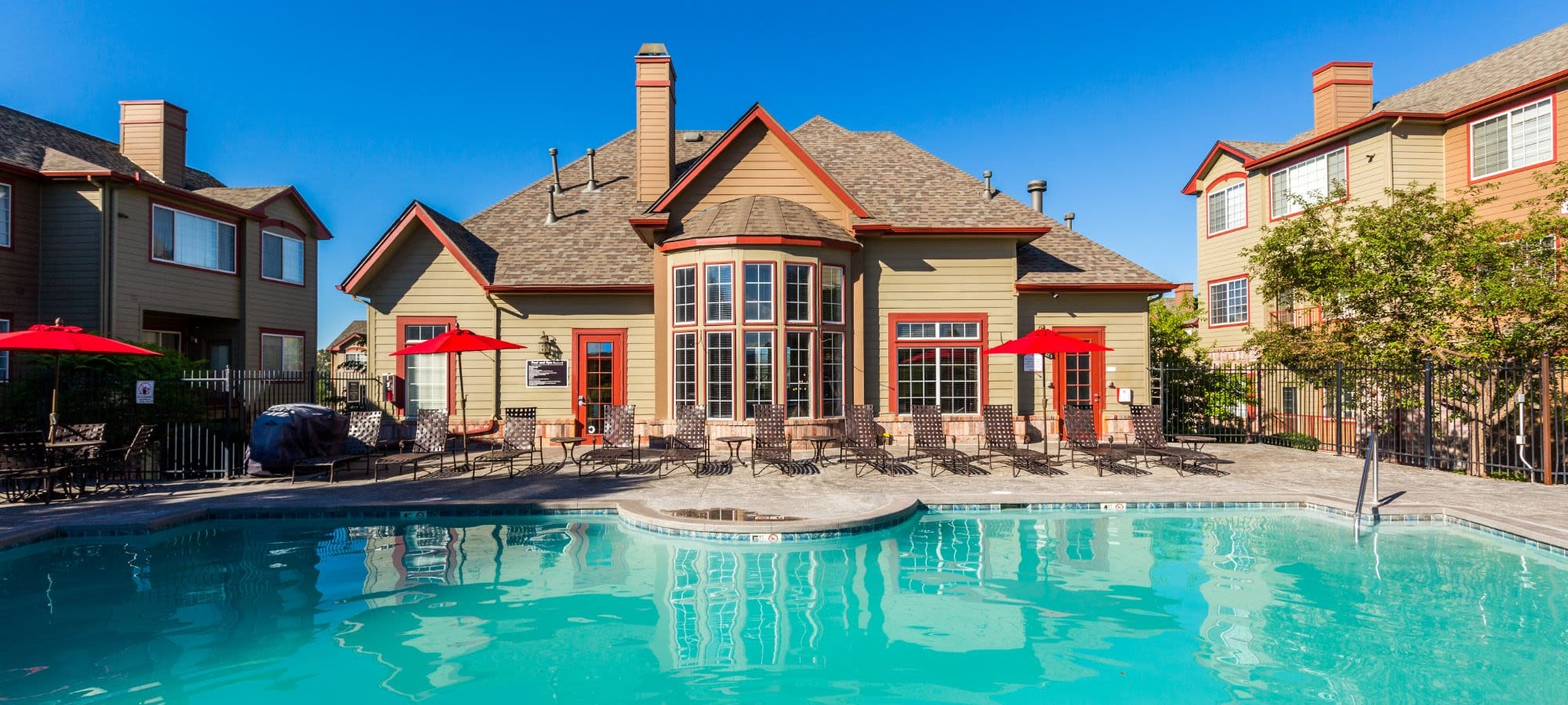 Amenities at The Links at Plum Creek in Castle Rock, Colorado