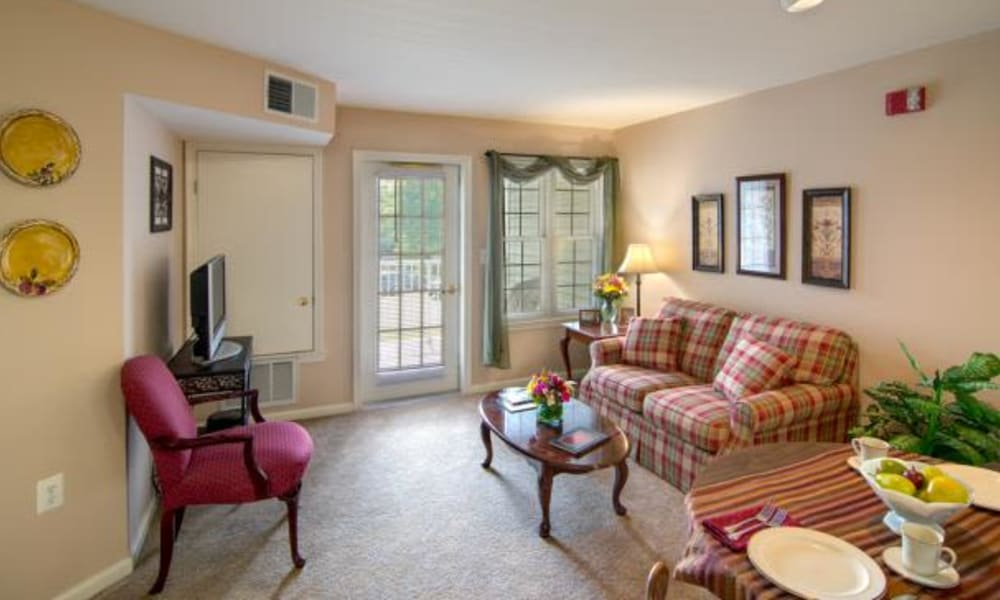 An apartment living room at Chancellor's Village in Fredericksburg, Virginia