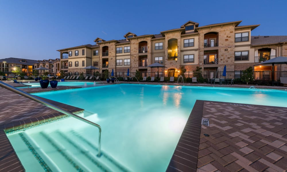 Sparkling pool at Sorrel Phillips Creek Ranch in Frisco, Texas