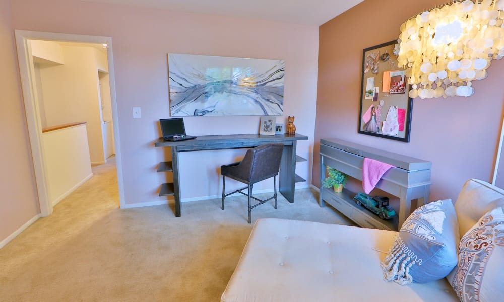 Lakewood Hills Apartments & Townhomes offers Walk-in Closets in Harrisburg, Pennsylvania