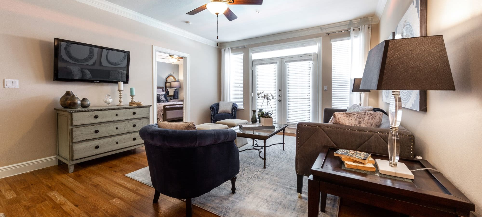 Resident information for Marquis on Pin Oak in Houston, Texas