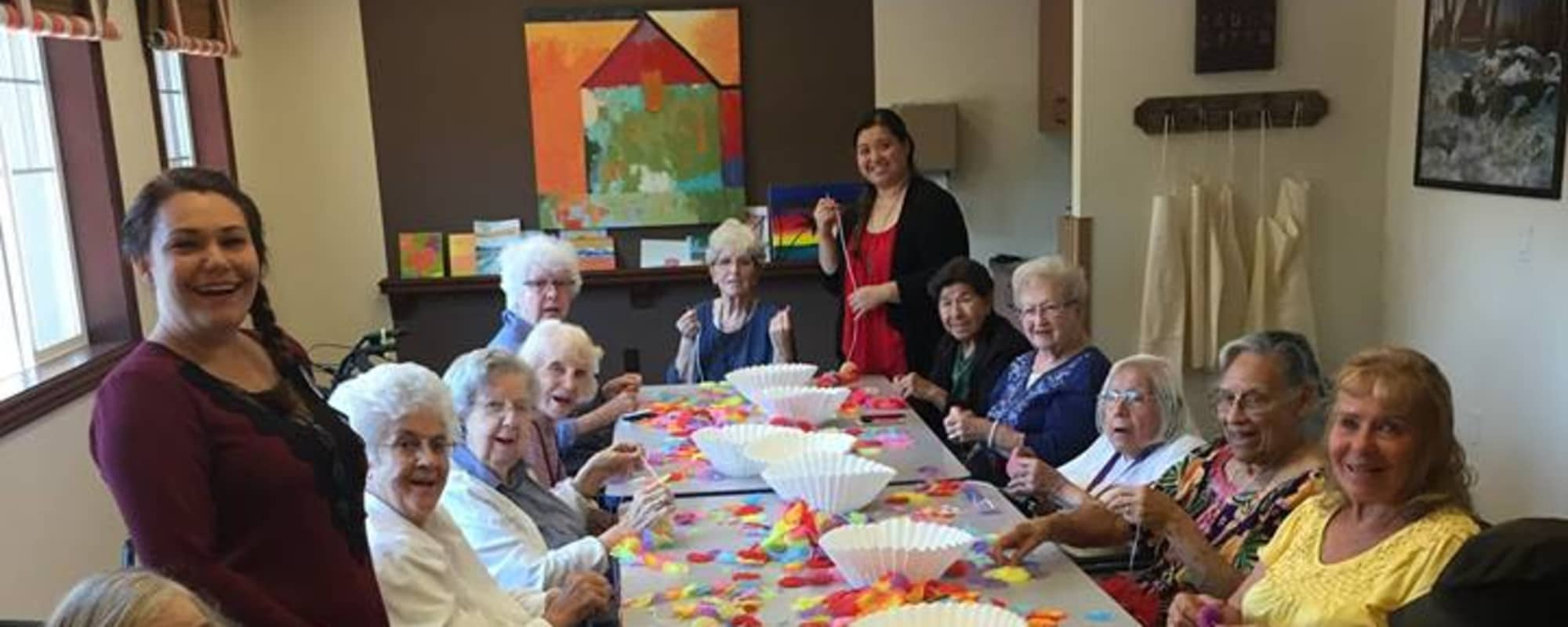 seniors doing arts and crafts at Estancia Del Sol in Corona, California