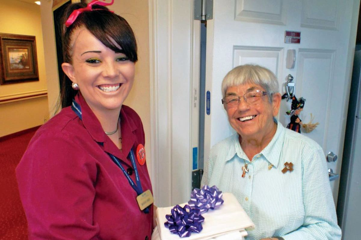 Housekeeper at Edgewood Point Assisted Living in Beaverton, Oregon