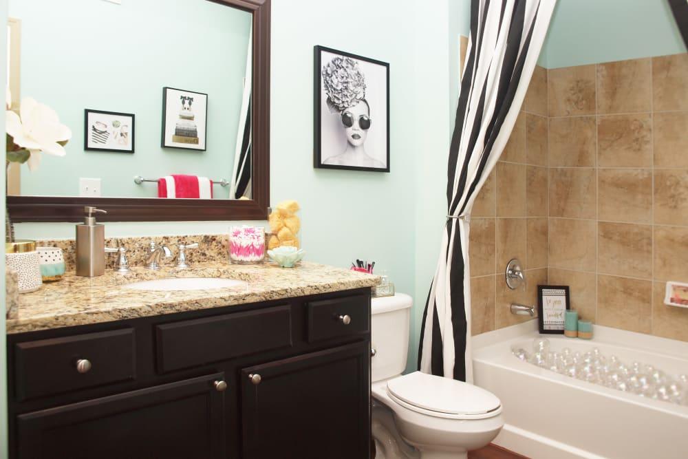 Modern Bathroom at Palmera Apartments in Mason, Ohio