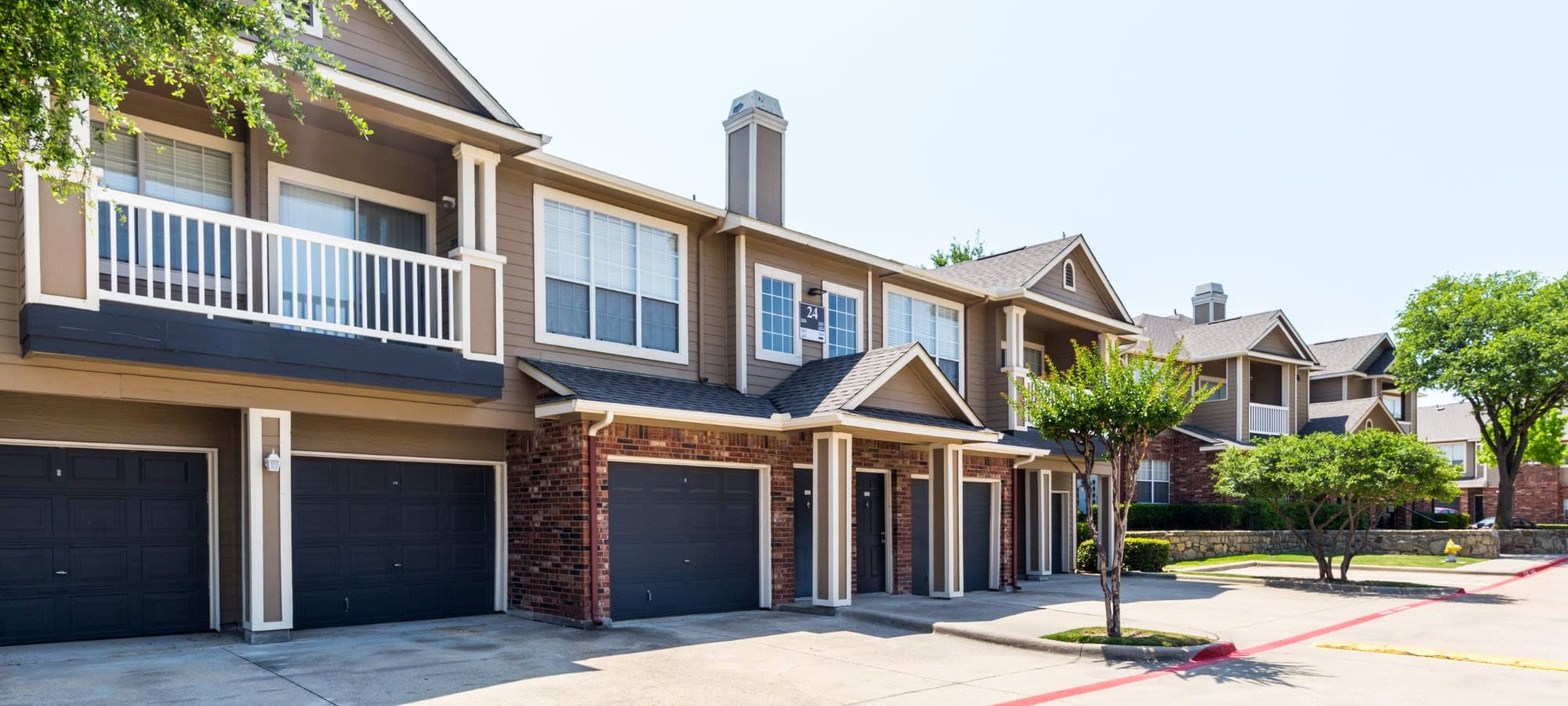 Apply to live at Marquis at Stonebriar in Frisco, Texas