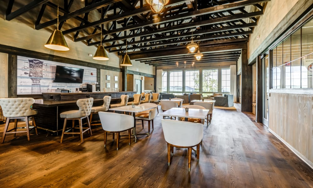 Seating area at Rivertop Apartments in Nashville, Tennessee