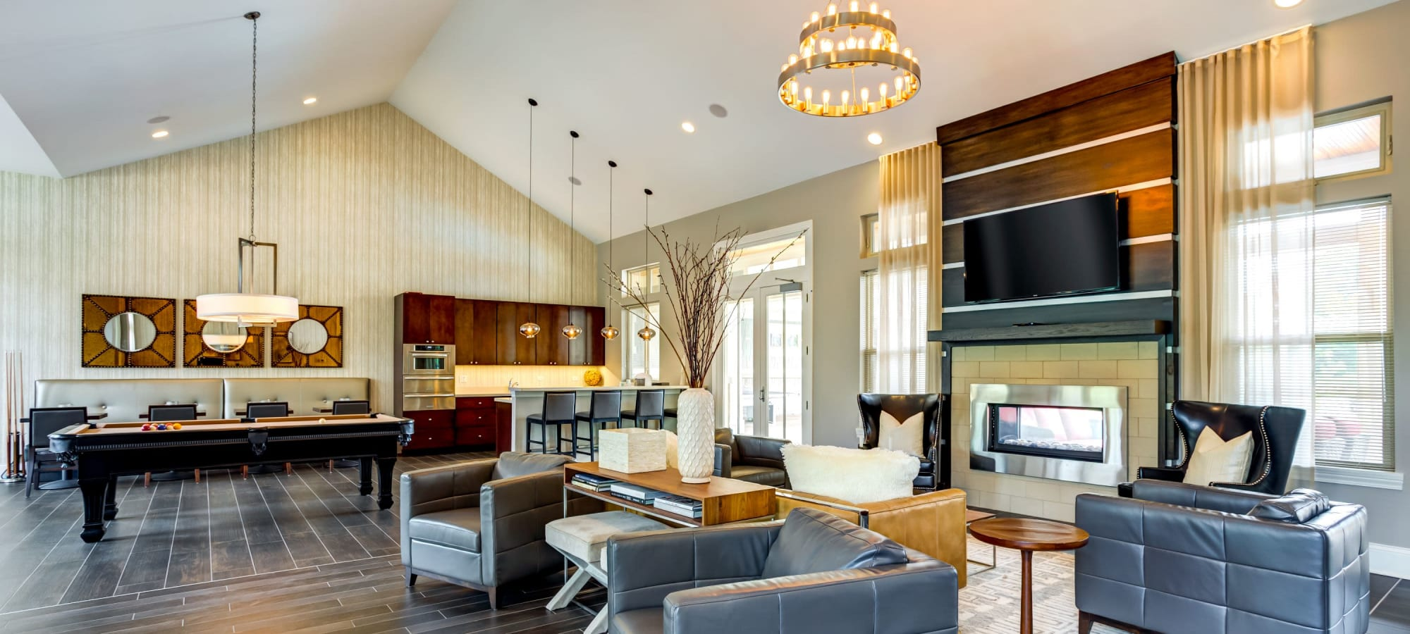 Apartments in Vernon Hills, Illinois at The Oaks Of Vernon Hills