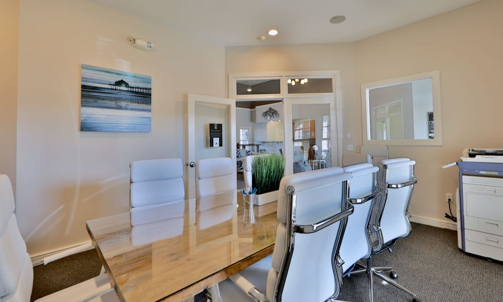 Seneca Bay Apartment Homes offers a conference room in Middle River, MD