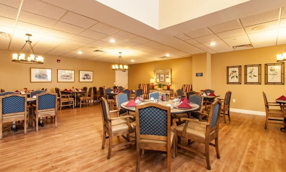 Enjoy your dinner at Keystone Place at Forevergreen's dining room in North Liberty, Iowa