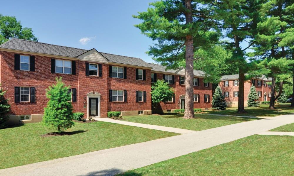 Walking paths at The Villas at Bryn Mawr Apartment Homes in Bryn Mawr, Pennsylvania