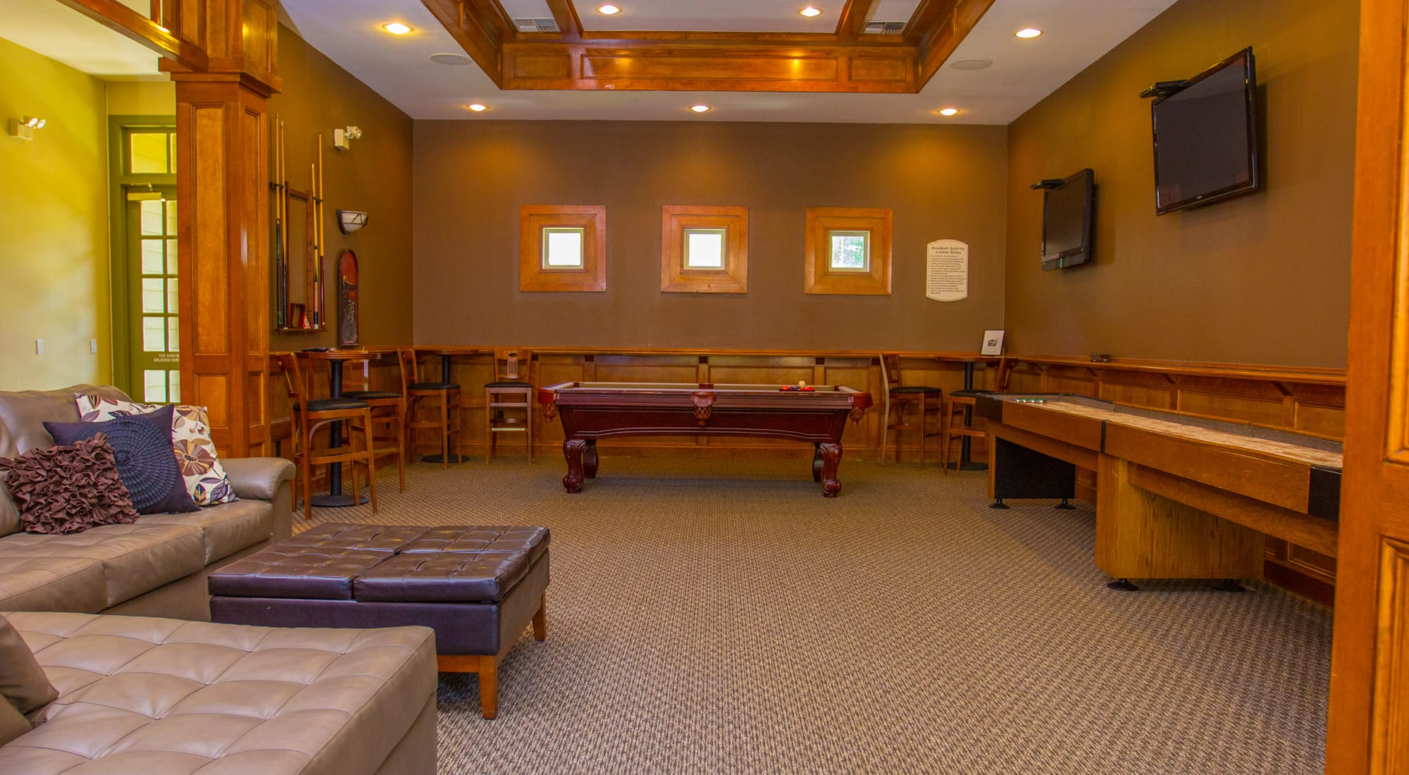 Amenities at The Lodge at River Park in Fort Worth, Texas