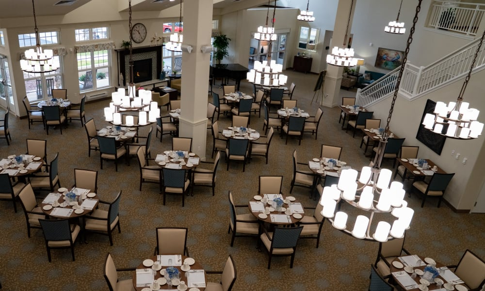 The dining room at Wilshire Estates Gracious Retirement Living in Silver Spring, Maryland