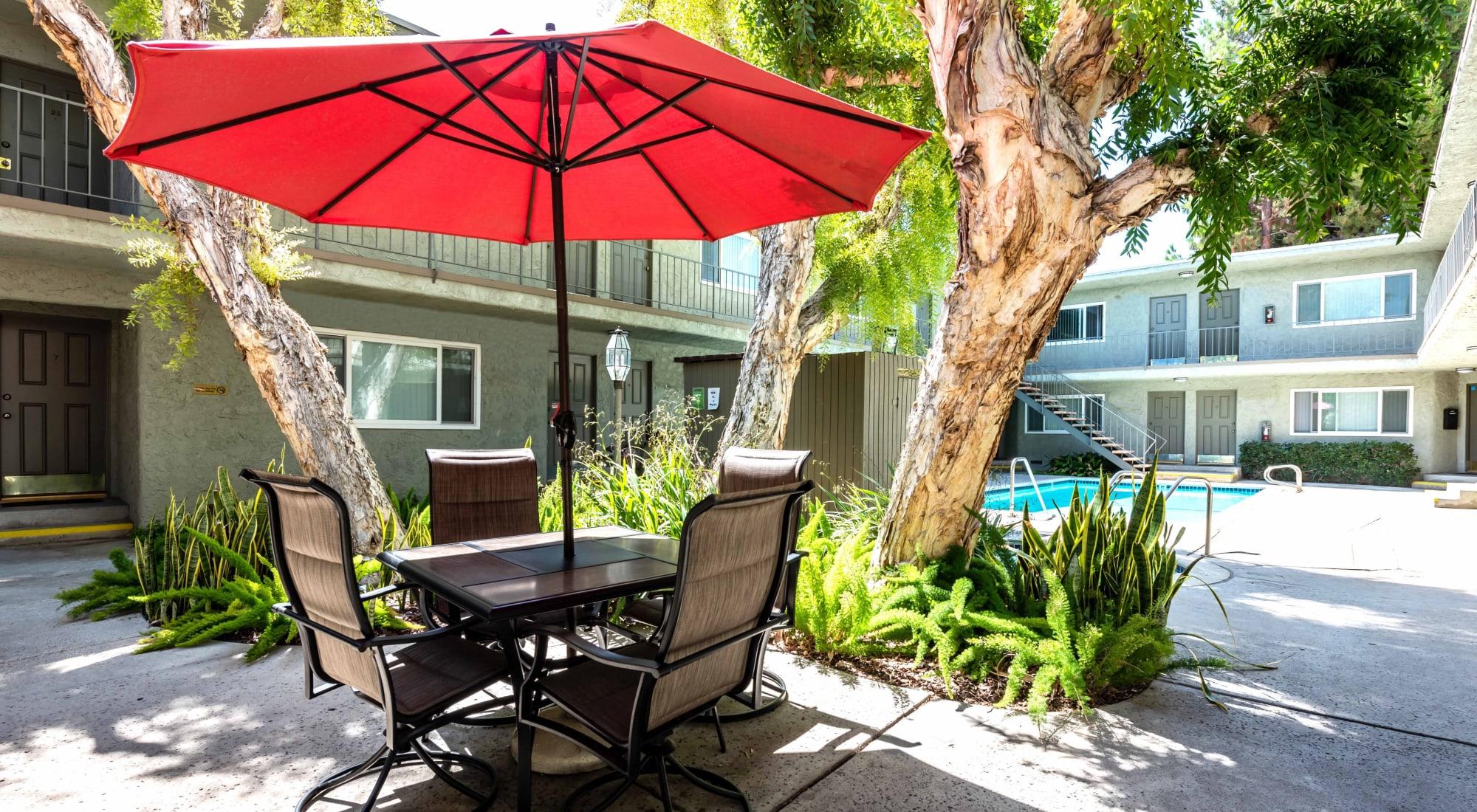 Apartments in Tarzana, CA