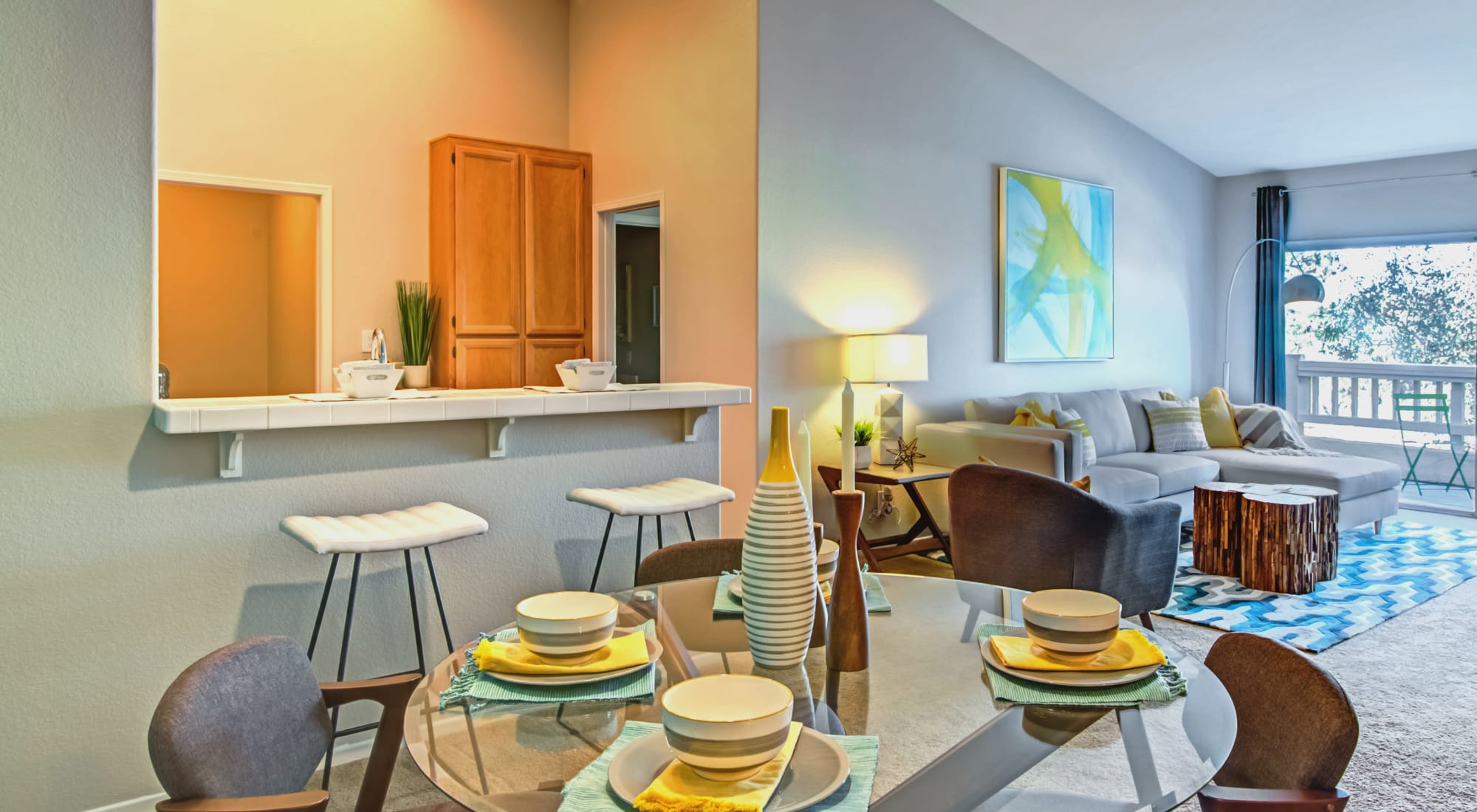 Apply to live at Sofi Canyon Hills in San Diego, California
