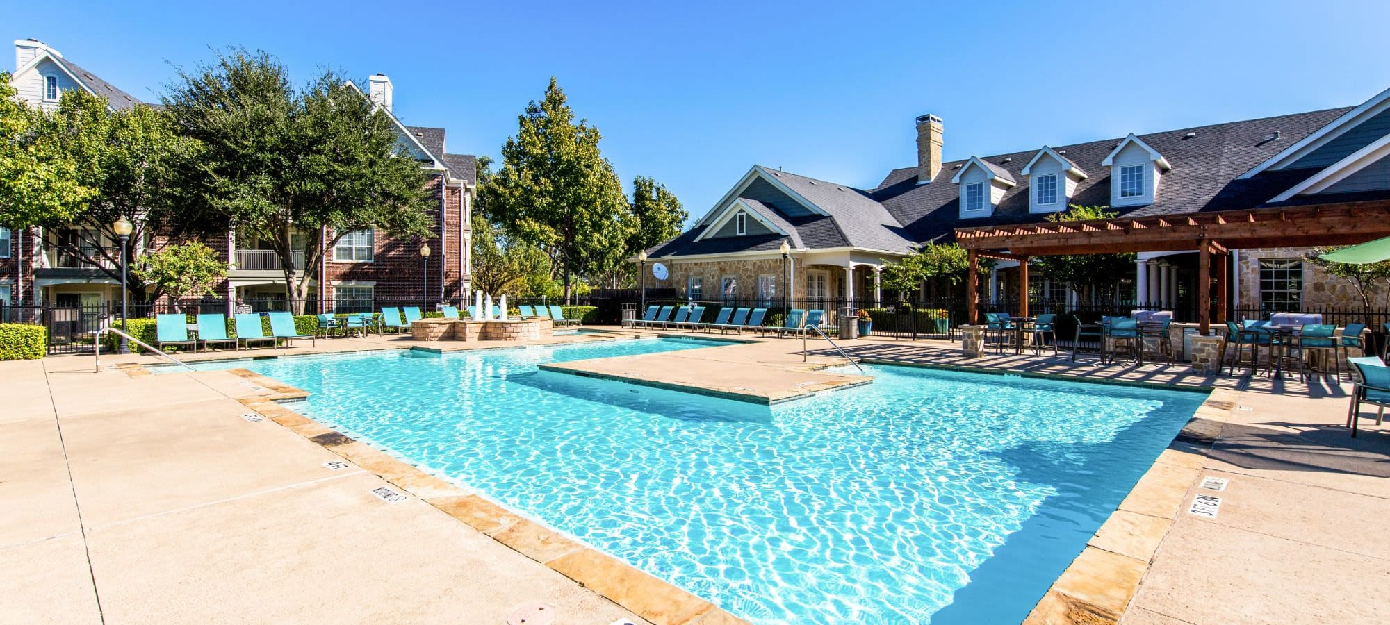 Amenities at Marquis at Silver Oaks in Grapevine, Texas