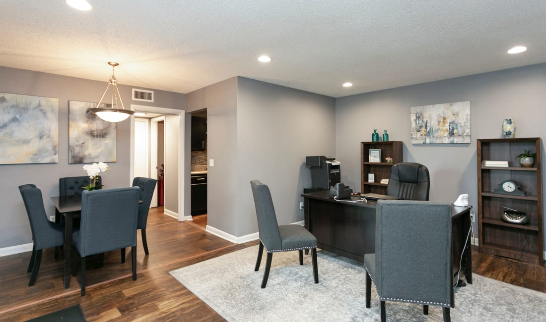 Spacious living are at Candlewood Apartments in Nashville, Tennessee