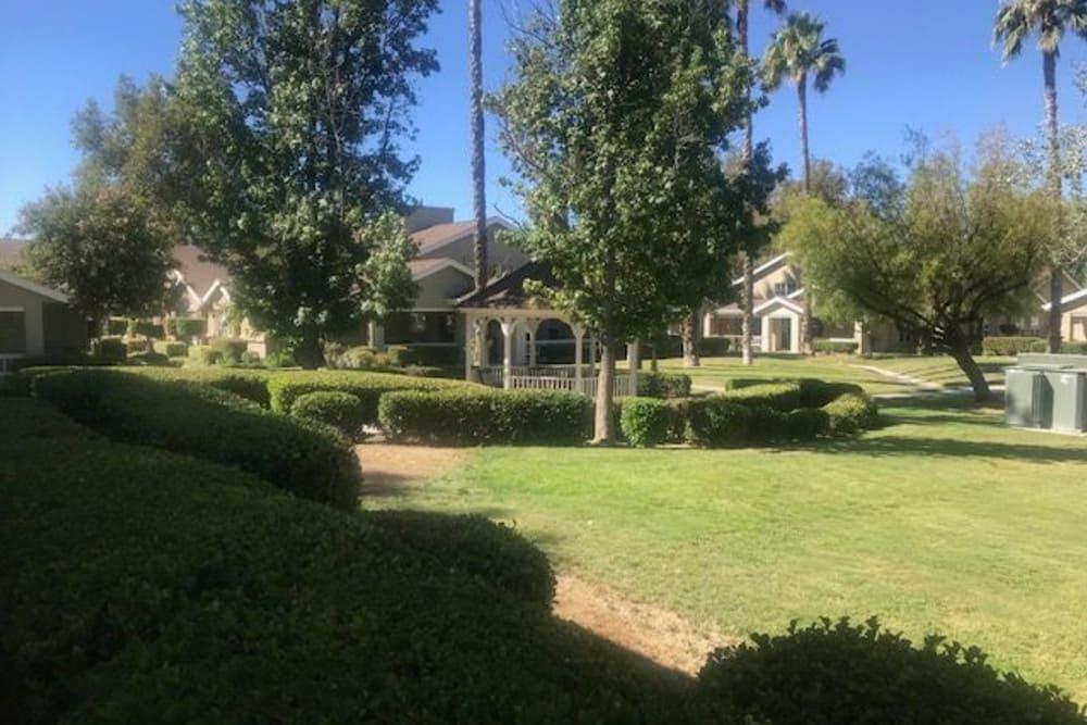 Pacifica Senior Living Hemet offers a spacious patio in Hemet, California