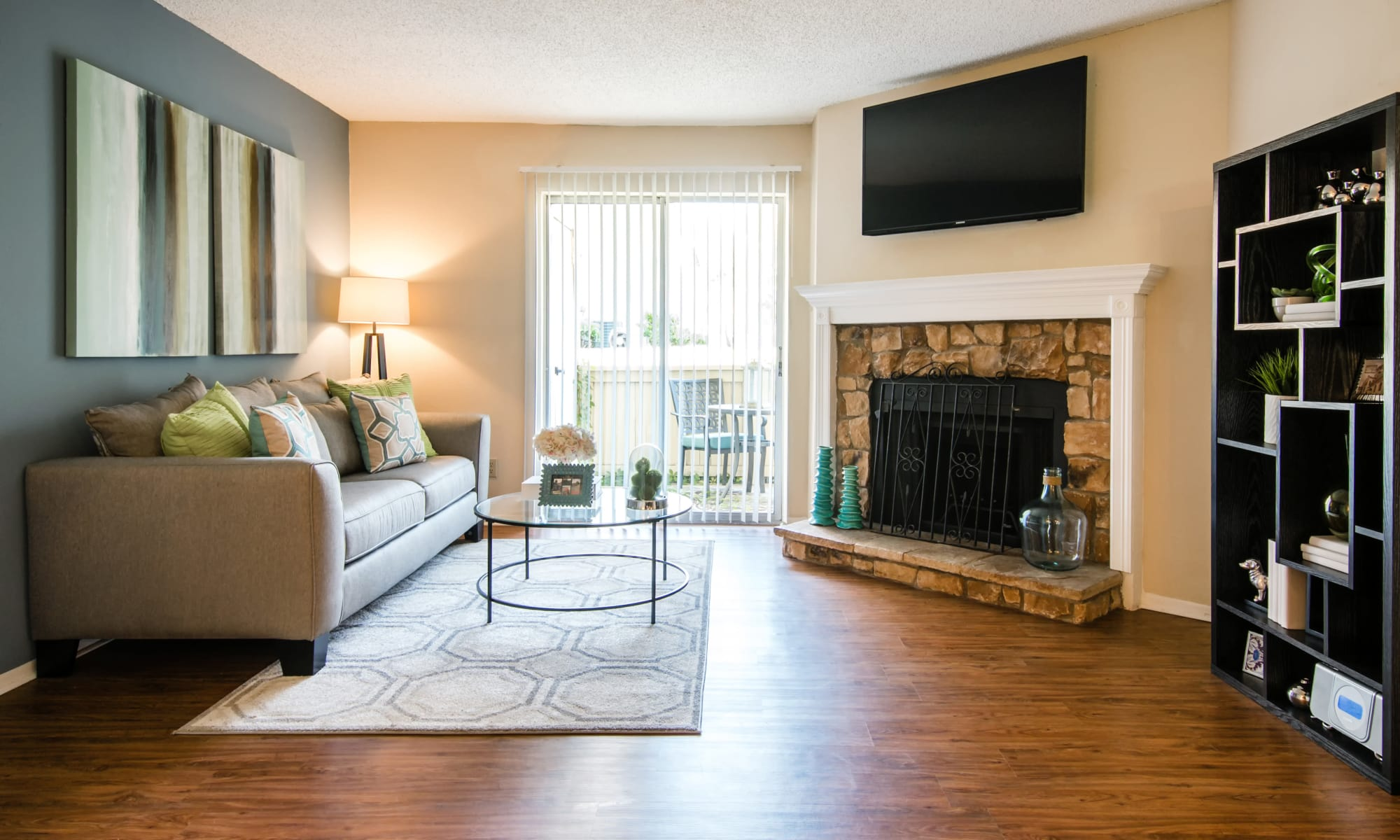 Lewisville Apartments Townhomes For Rent Villas At Waterchase