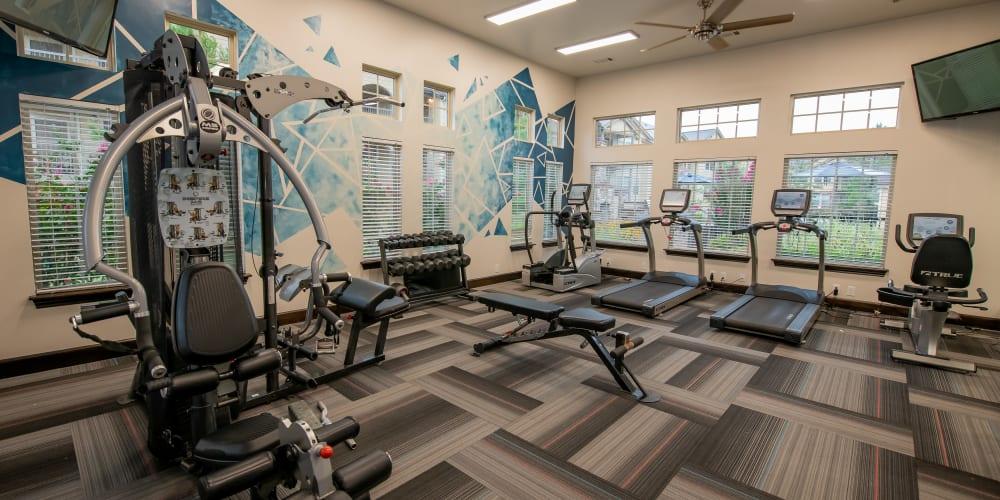 The fitness center at Cascata Apartments in Tulsa, Oklahoma