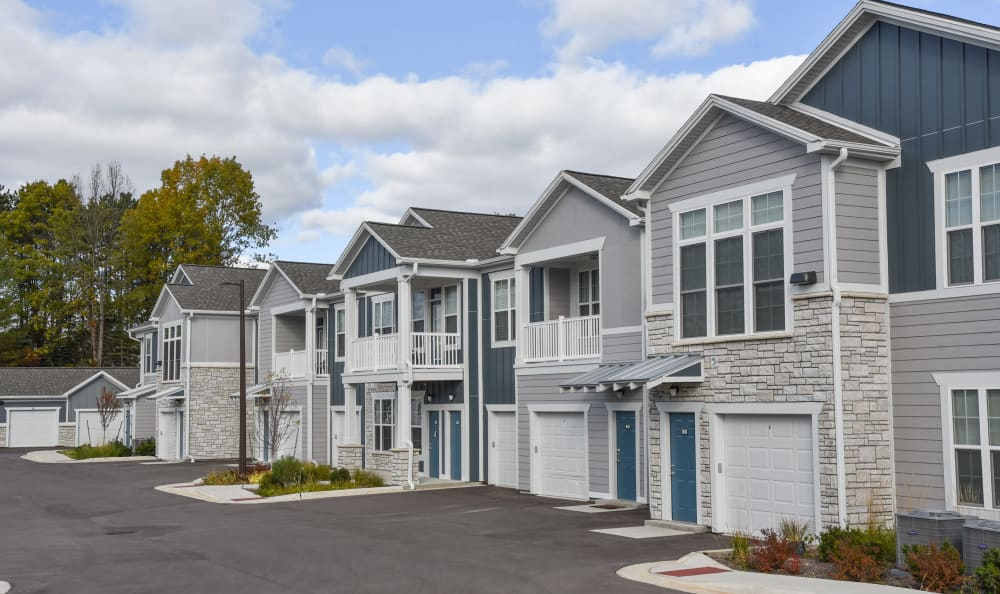attached garages at Springs at Knapp's Crossing in Grand Rapids