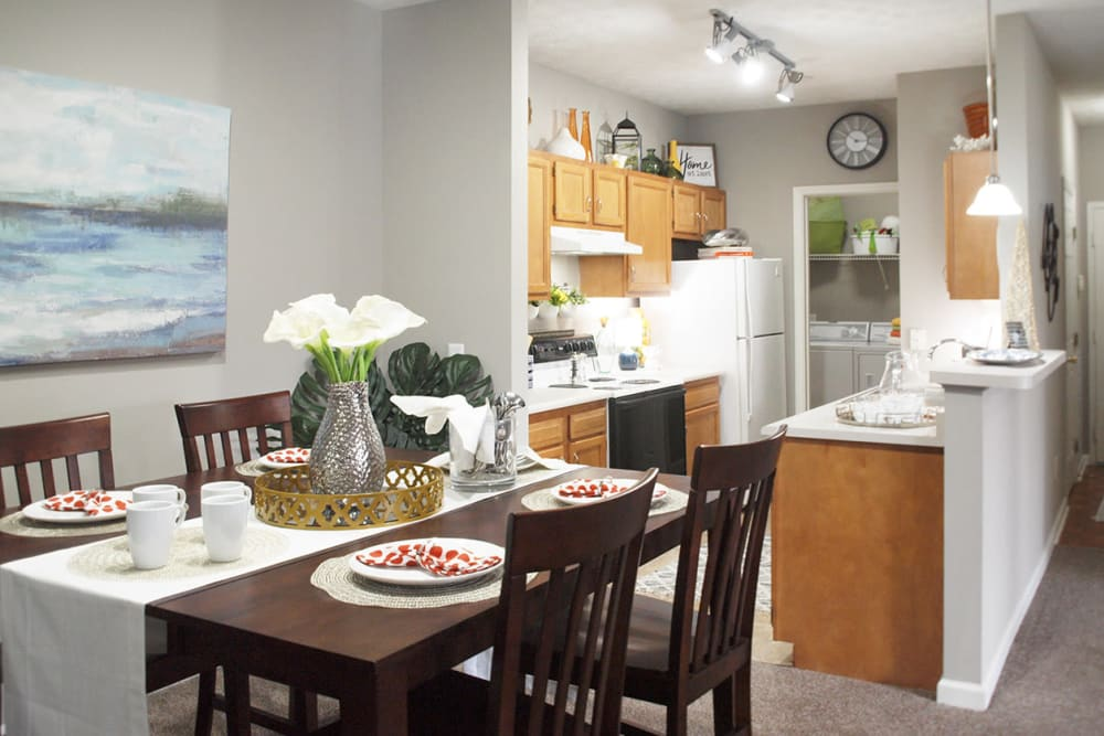 dining table and view of kitchen at Waterford Place in Loveland, Ohio