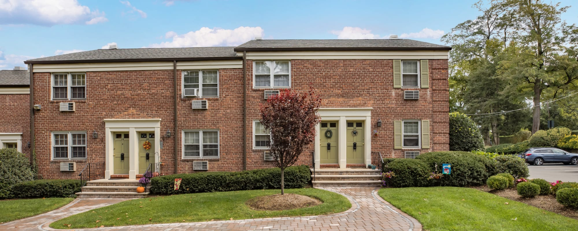 Reviews of General Wayne Townhomes and Ridgedale Gardens in Madison, New Jersey
