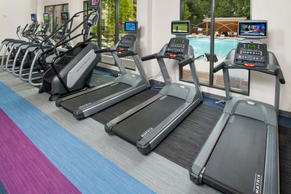 City View Vinings offers a fully equipped fitness center in Atlanta, Georgia