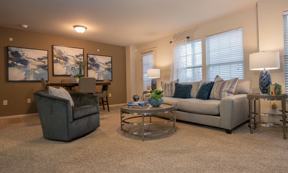 Spacious living room at Cascata Apartments in Tulsa, Oklahoma