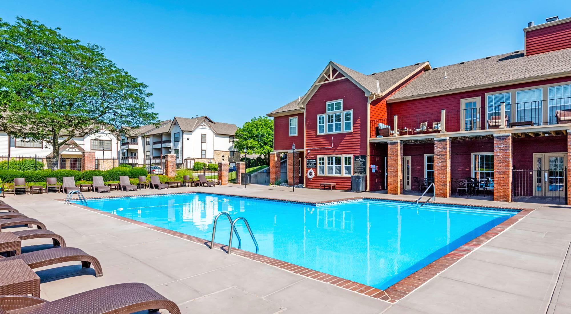 Coach House Apartments in Kansas City, Missouri
