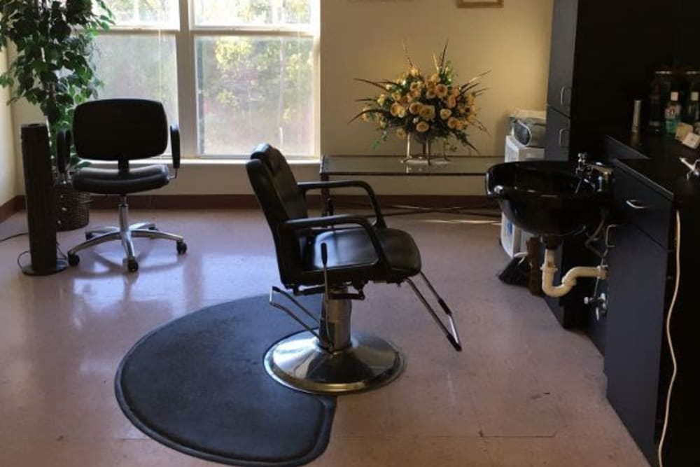 An onsite salon at Atlantic at Twin Hickory in Glen Allen, Virginia