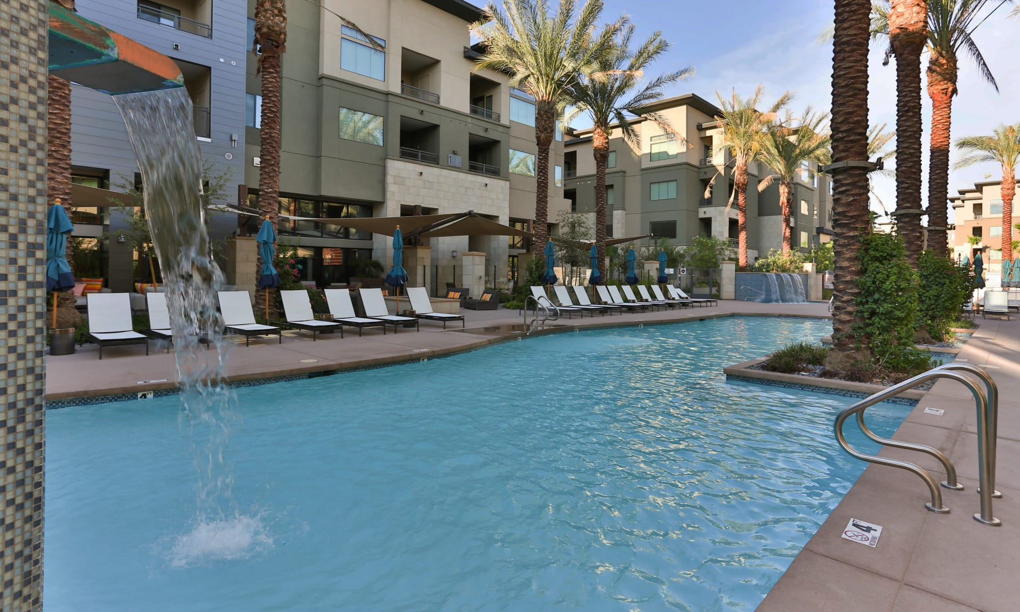 Chandler, Arizona, apartments at Avant at Fashion Center