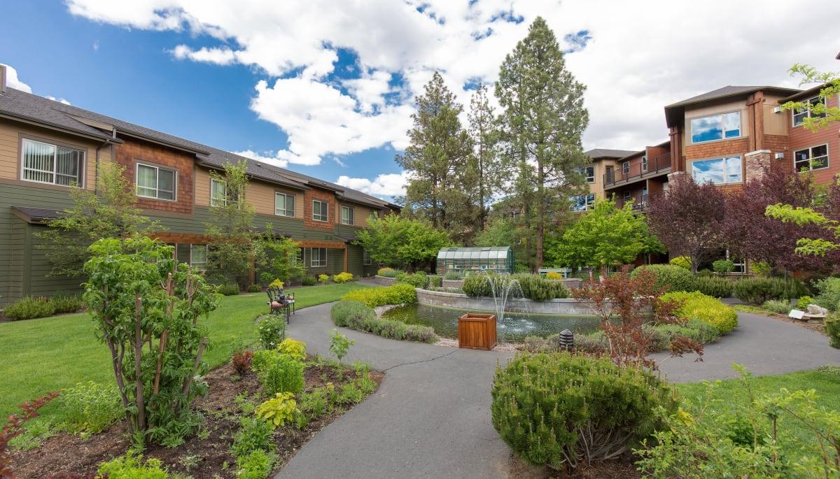 Bend Or Senior Living Touchmark At Mount Bachelor Village
