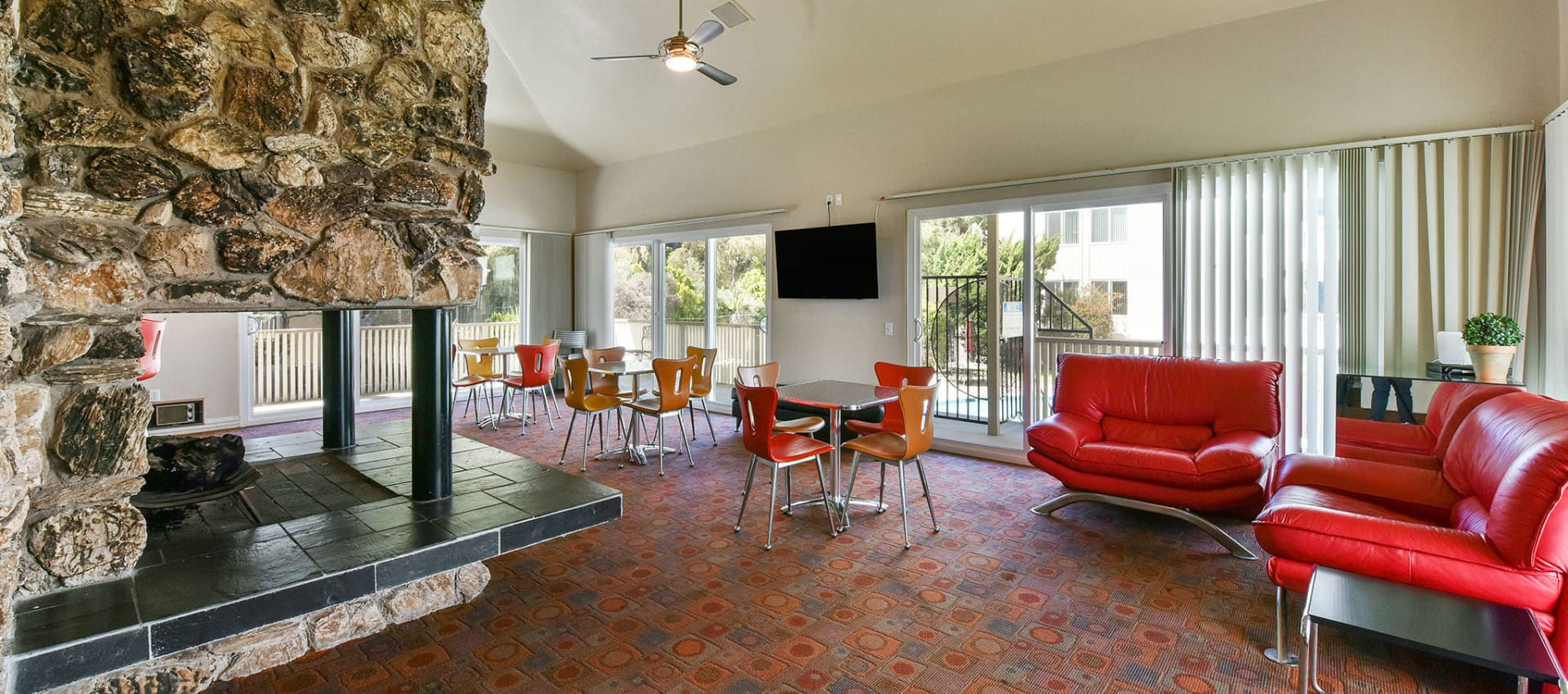 Clubhouse lounge at apartments in Alameda, CA