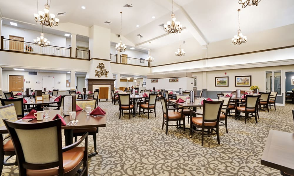dining room at The Commons at Dallas Ranch