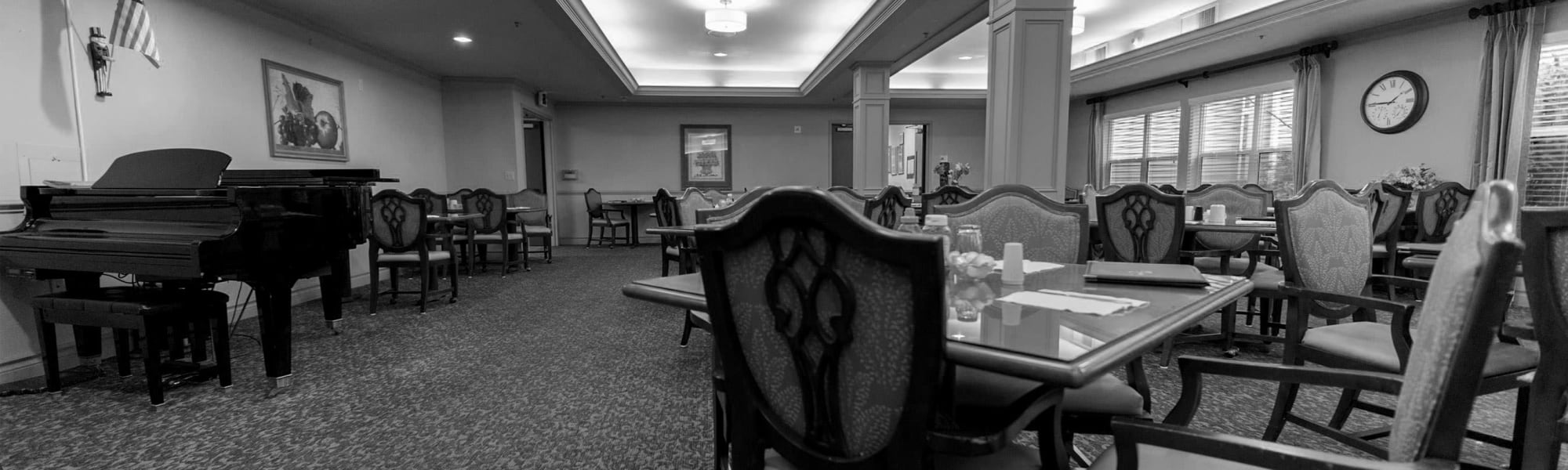 Services and amenities at Kenmore Senior Living in Kenmore, Washington.