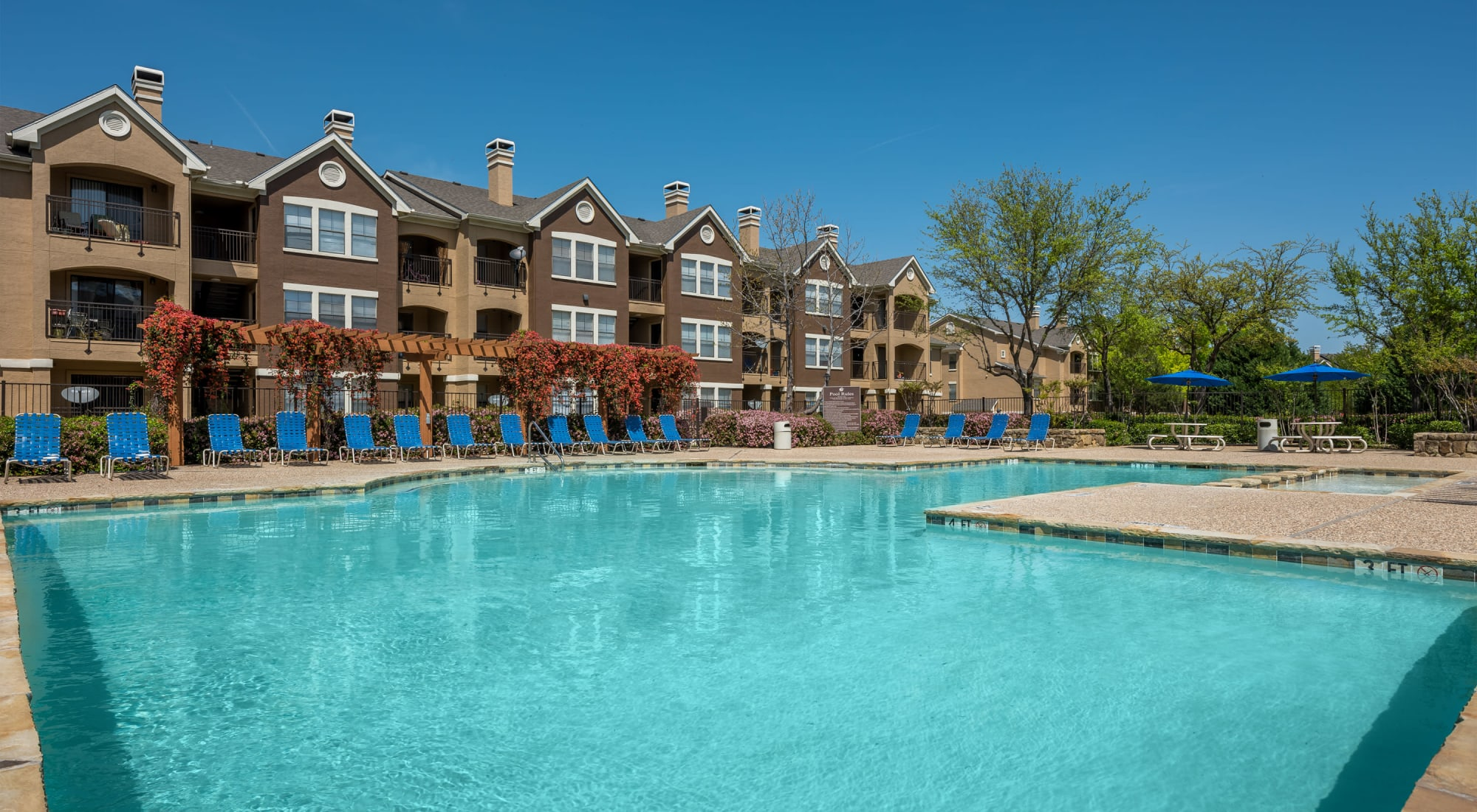 Apartments at Arbrook Park Apartment Homes in Arlington, Texas