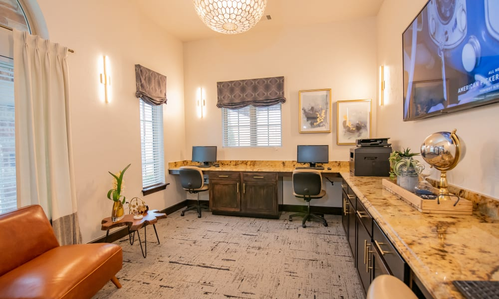 Resident use business center at Cascata Apartments in Tulsa, Oklahoma