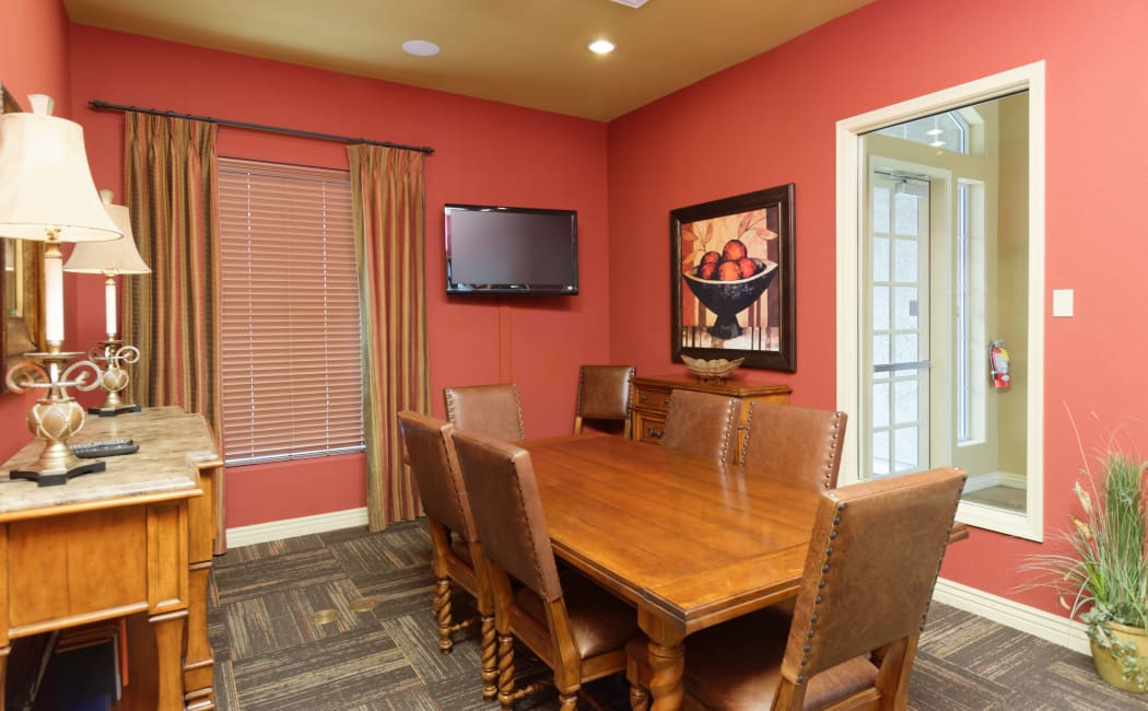 Meeting room for resident use at Waterford at Peoria in Peoria, Arizona
