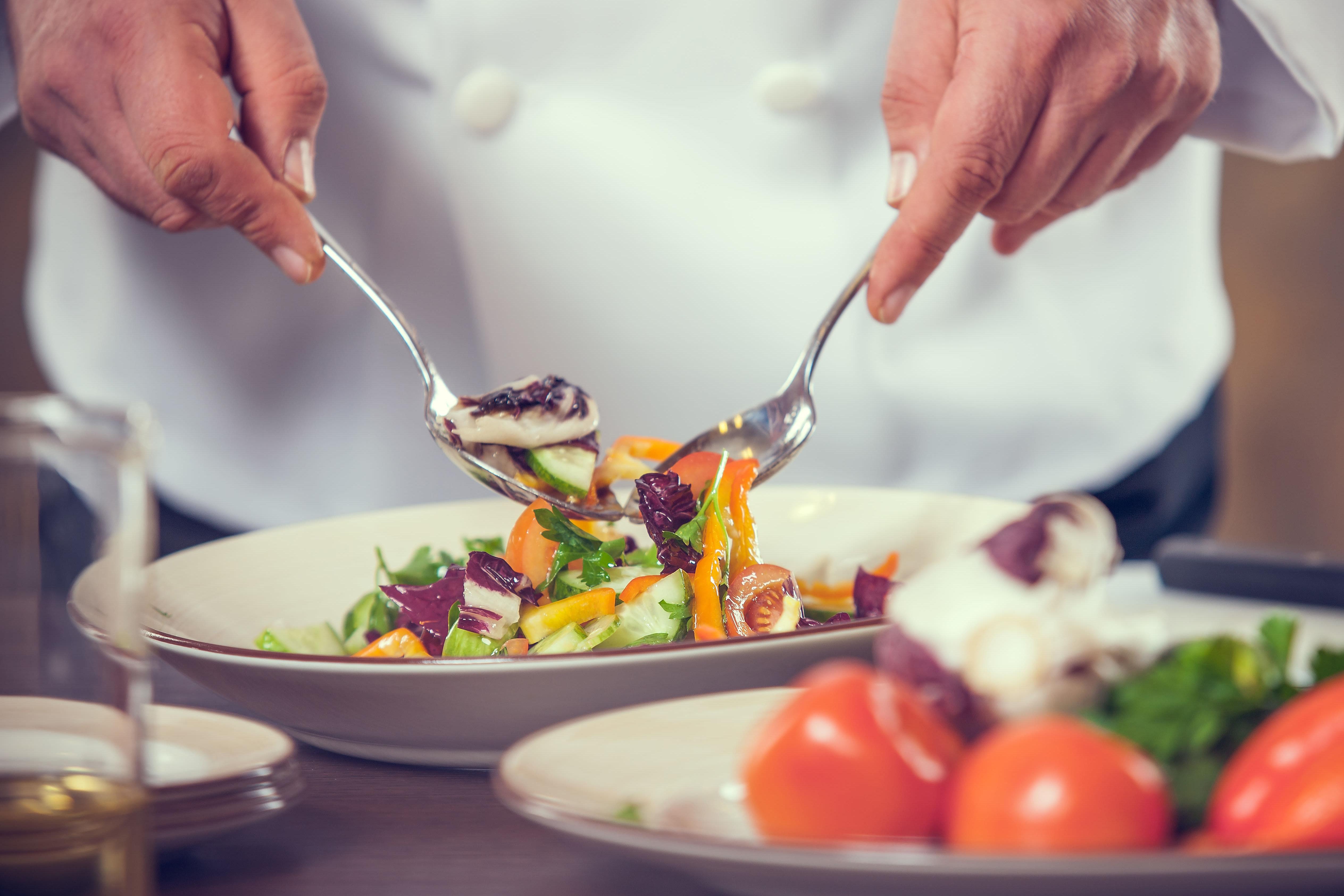 Chef making a salad at Estancia Del Sol in Corona, California