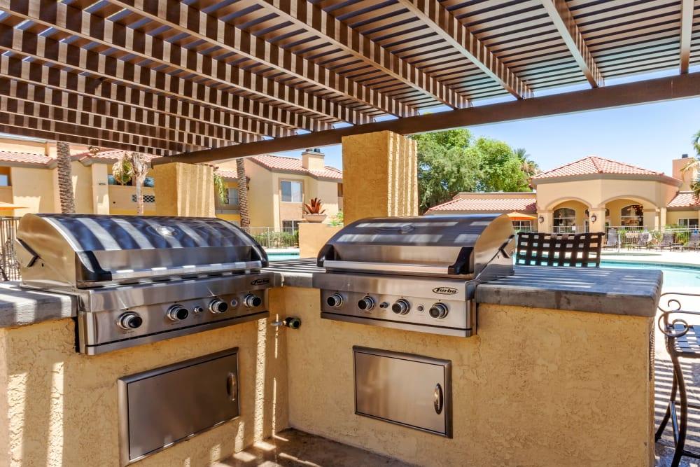 Outdoor BBQ Area at Tresa at Arrowhead Apartments in Glendale, Arizona