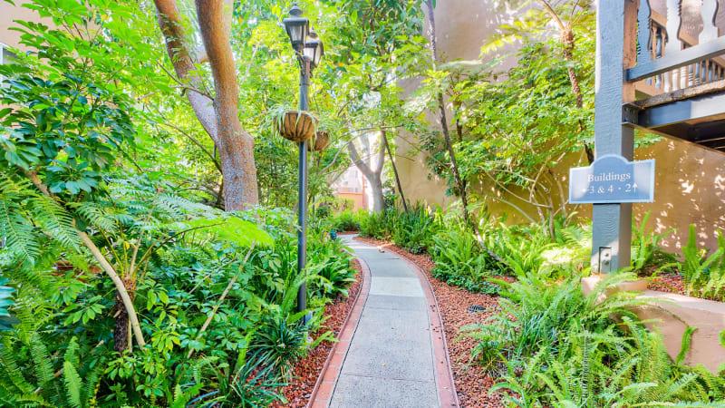 View virtual tours of Casa Granada in Los Angeles, California