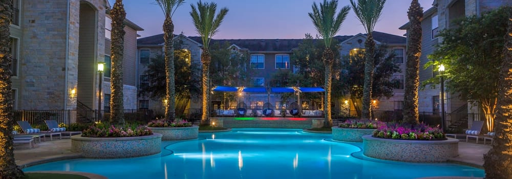 An amazing swimming pool at Sommerall Station Apartments in Houston, Texas