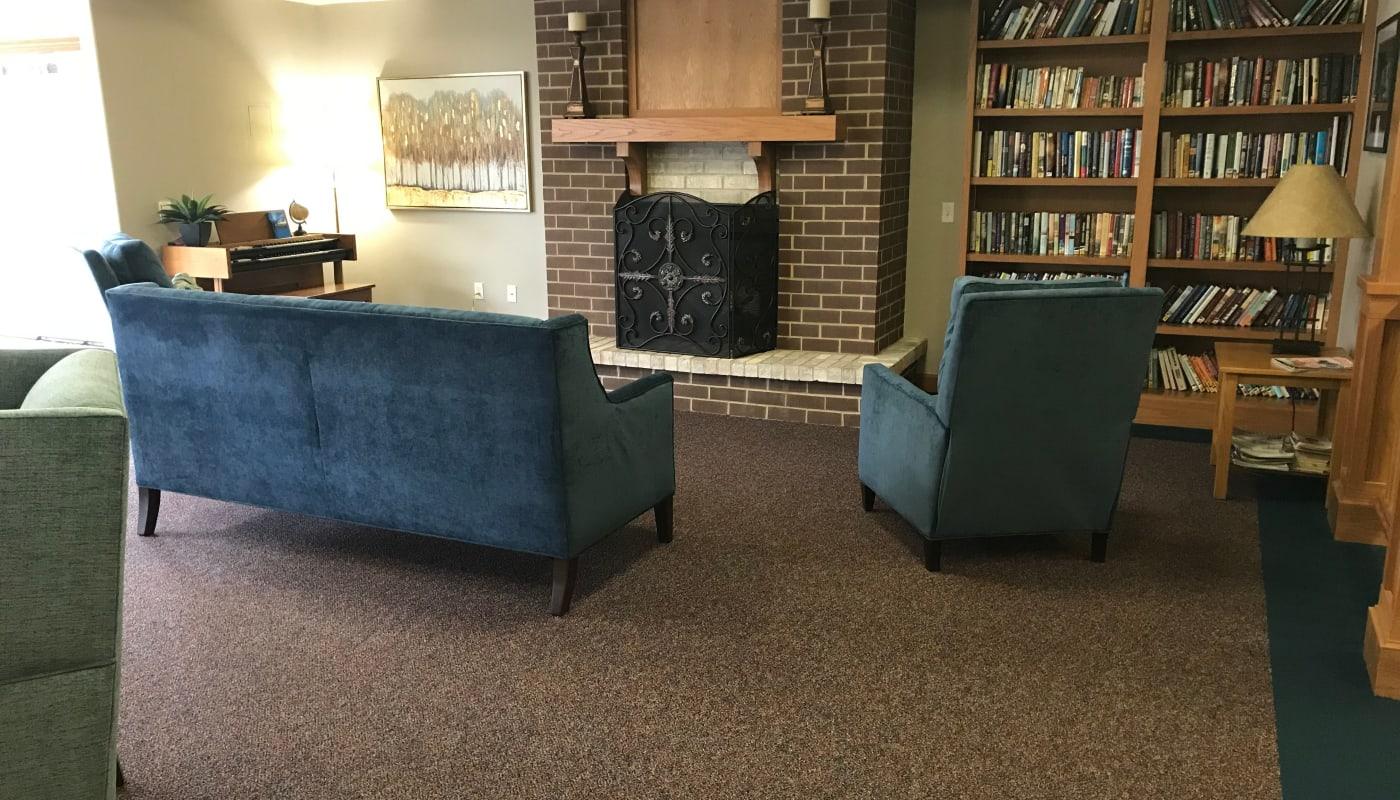 Fireside seating at Prairie Hills Senior Living in Des Moines, Iowa.